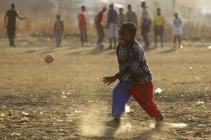 jugando_futbol