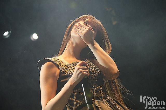 Kalafina-Keiko-Emocionada